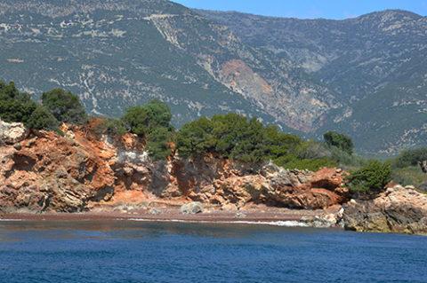 trizonia, korinthian gulf, dorida, fokida, nafpaktos, rooms to let, τριζόνια, προορισμός, κορινθιακός, νησάκι, βάρκα, εν πλω, παραλίες, βότσαλα, θάλασσα, καλοκαίρι, παραθερισμός, μονοήμερη, φύση, βλάστηση, καίκι, θαλασσινά, μεζέδες, rent, yachts, marina, nave, sea, sky, blue, feery boat, island, summer, vacations, family, ouzo, taverns, fana, green, swimming, relax